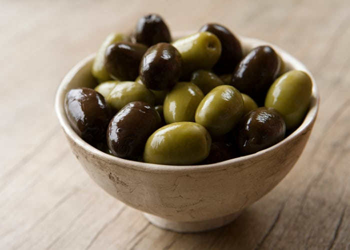 Can Dogs Eat Olives