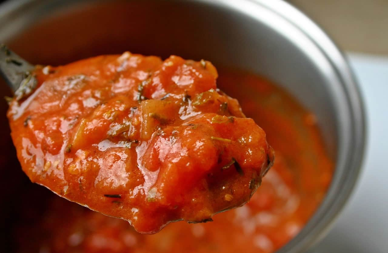 Can Dogs Eat Tomato Sauce?